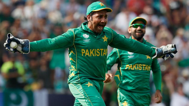 Frustaded Pakistani Fan Started Beating Sarfraz Ahmed's Hoarding After 3-0 Defeat
