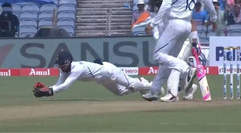 Wriddhiman Saha takes a blinder to dismiss Faf Du Plessis against South Africa
