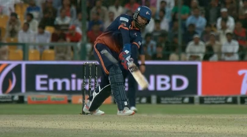 Yuvraj Singh repeats his iconic flip shot from 2007 against Bengal Tigers