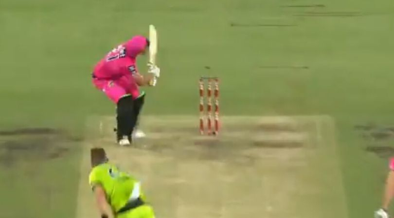 WATCH: Moises Henriques Massive Sixer against Sydney Thunders in Super Over at SCG