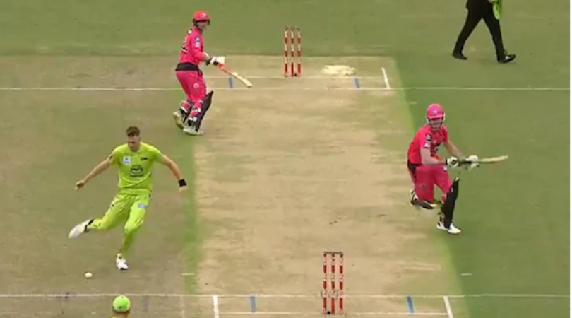 Chris Morris excellent footwork to run out Daniel Hughes in Big Bash League